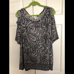 Black and white liquid knit shirt